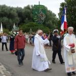 3 Aôut 2014 Chant puis recueillement pendant la bénédiction.Les participants en habits de matelot traditionnels